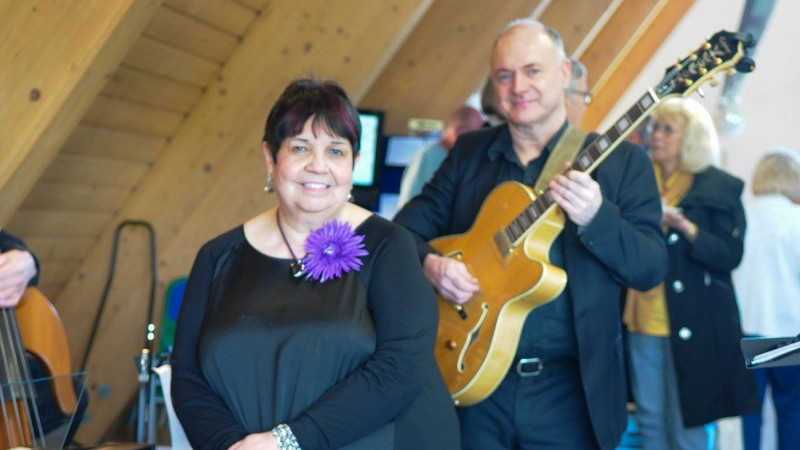 Local musicians, Jill Luff and Dominic Ashworth